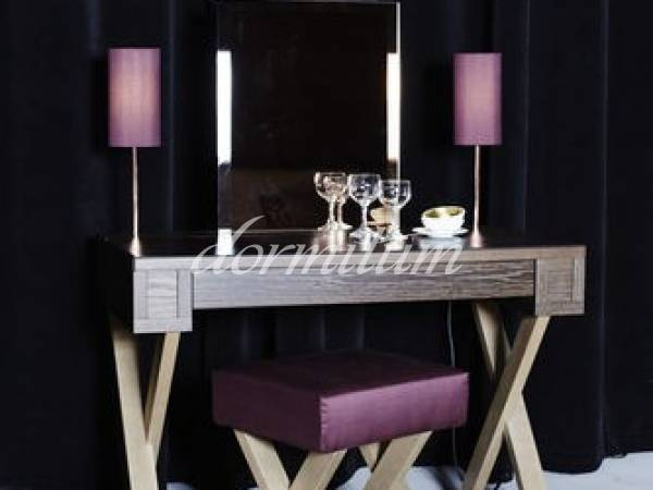 Schramm Vanity Table XENIA with mirror and light