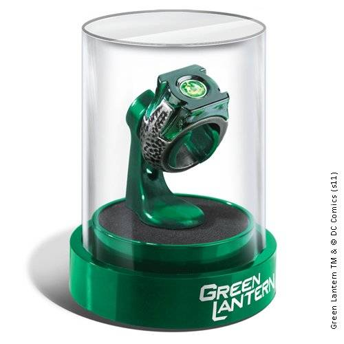Noble Collection Green Lantern Prop Ring & Display