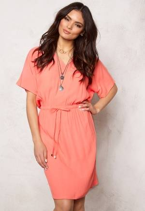 SOAKED IN LUXURY Allie Dress Shell Pink L