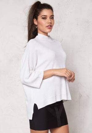SOAKED IN LUXURY Juliette Pullover Lily White XS