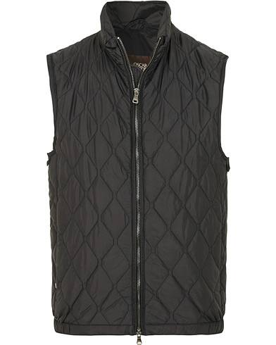 Oscar Jacobson Liner Quilted Waistcoat Black