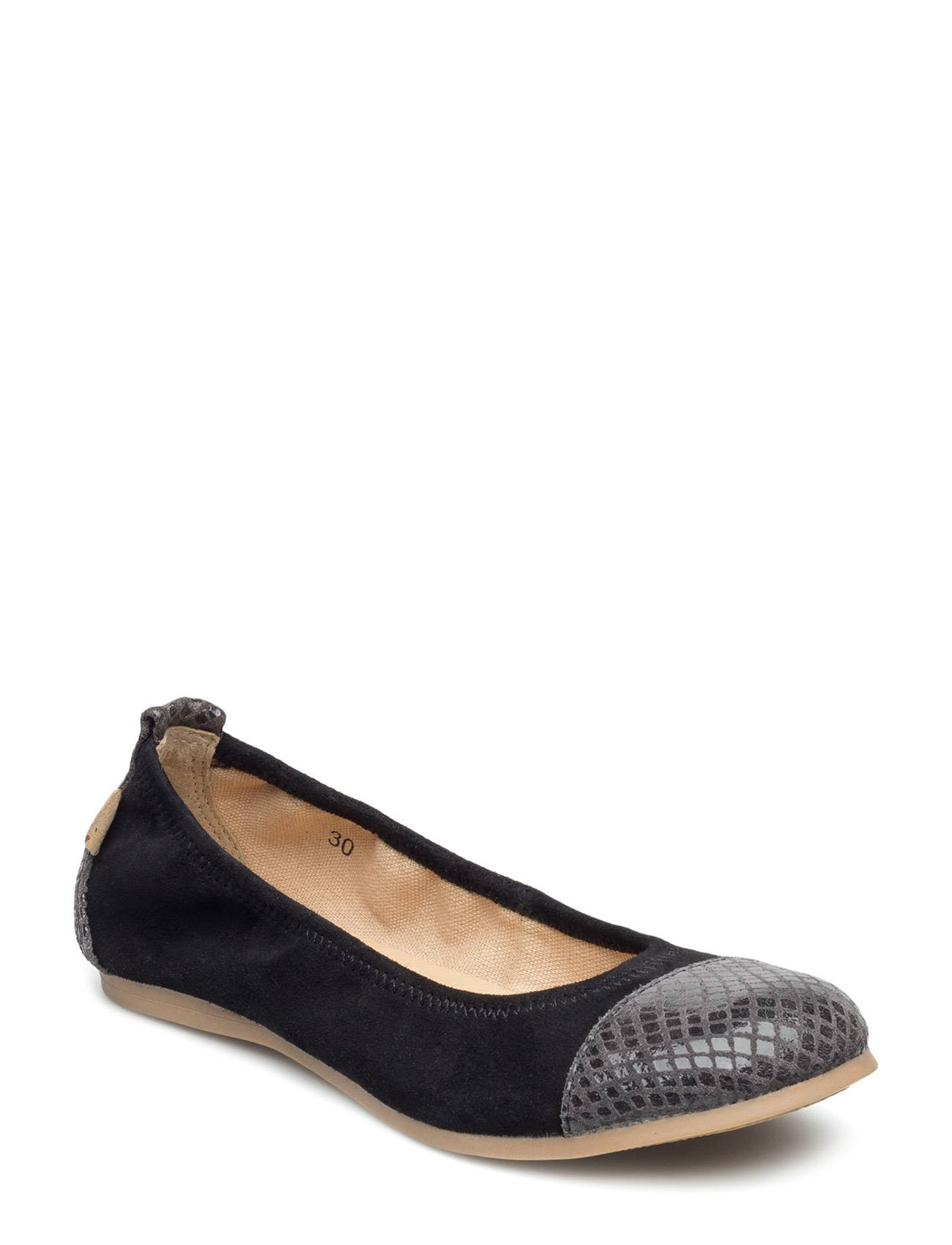 Move by Melton Ballerina Toe Cap