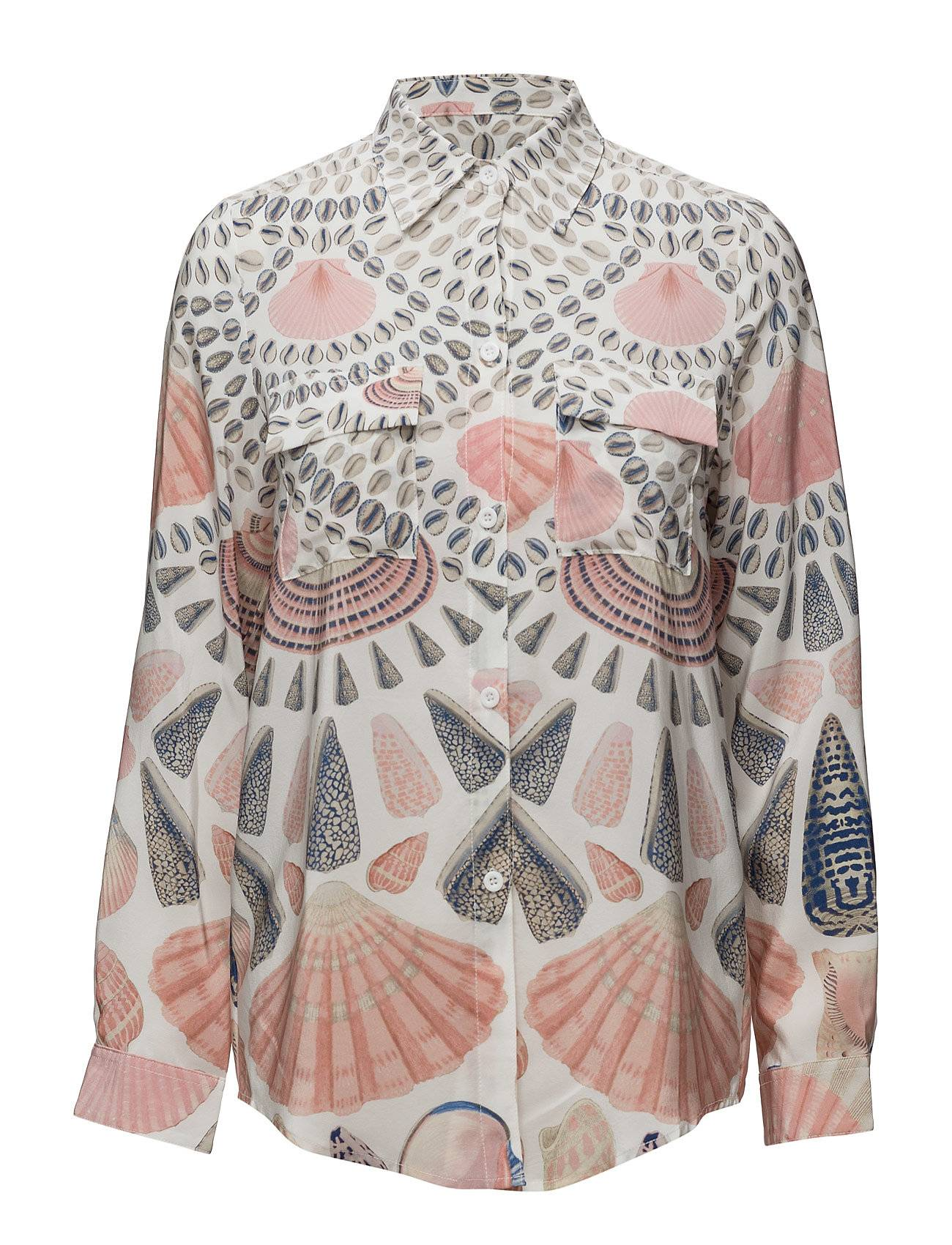 By Malina Nicolina Shirt