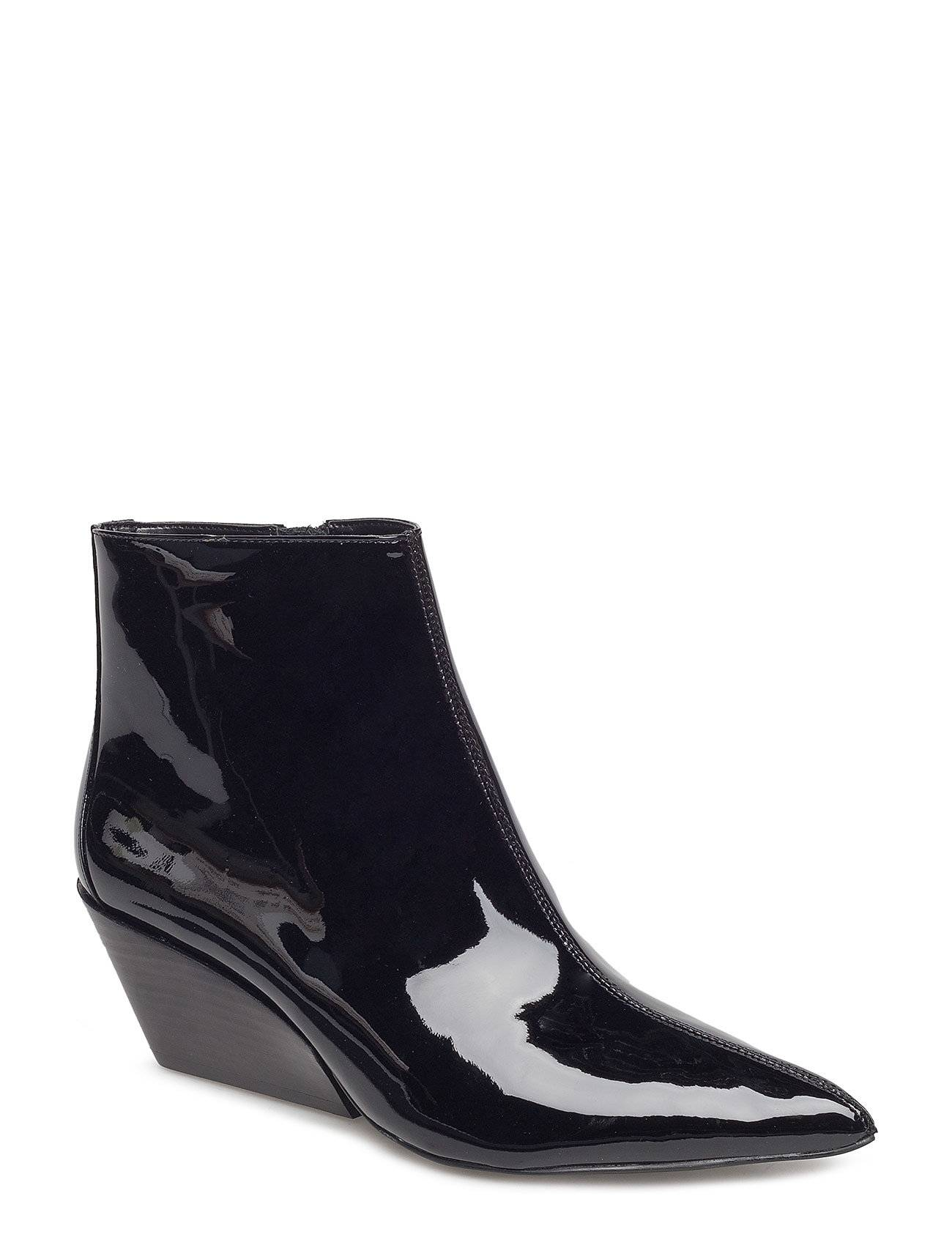 Calvin Freda Patent Leather