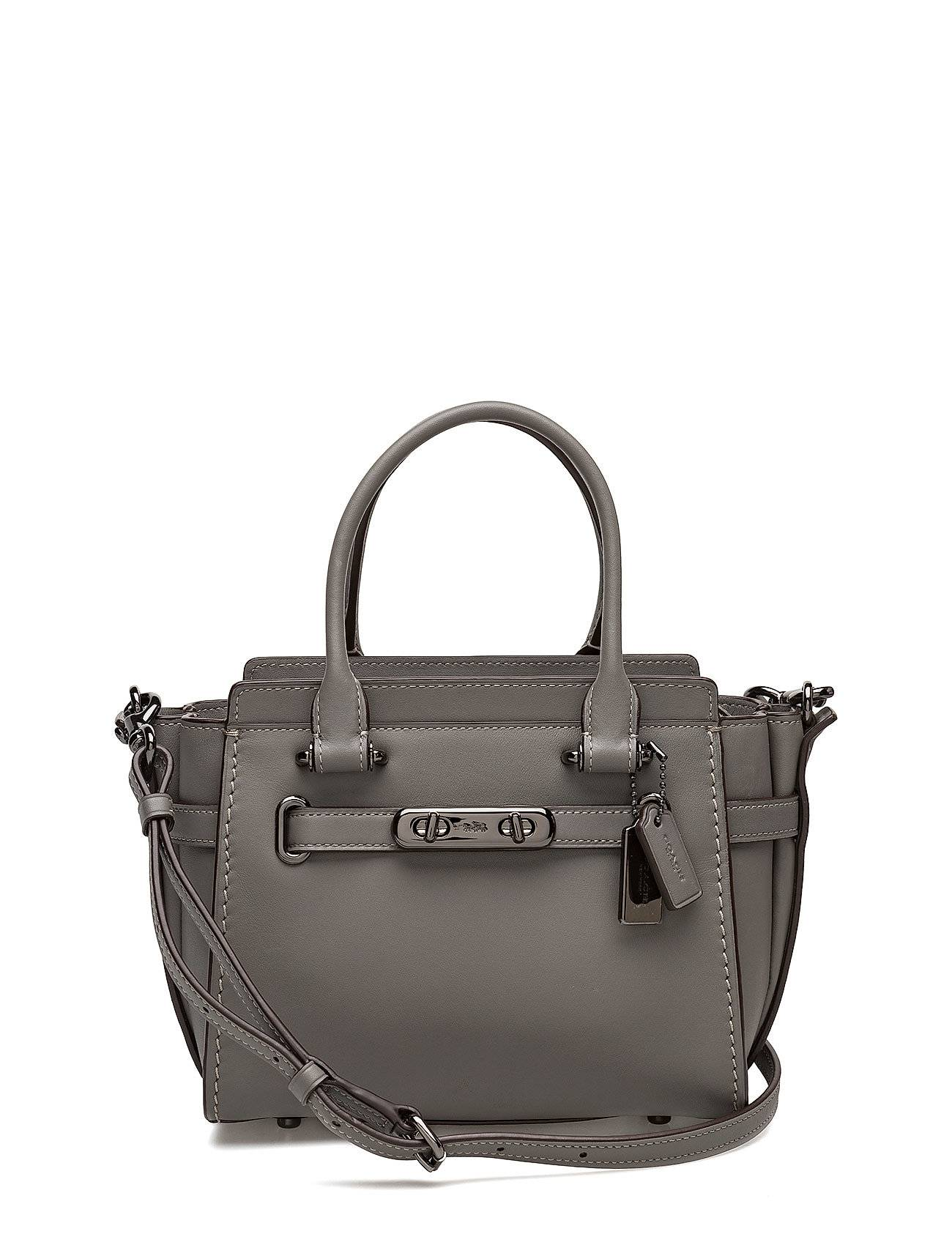 Coach Glovetanned Leather Coach Swagger 21