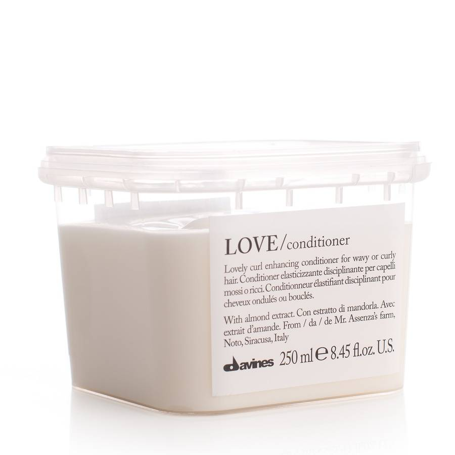 Davines LOVE Lovely Curl Enhancing Conditioner (Wavy & Curly Hair) 250 ml