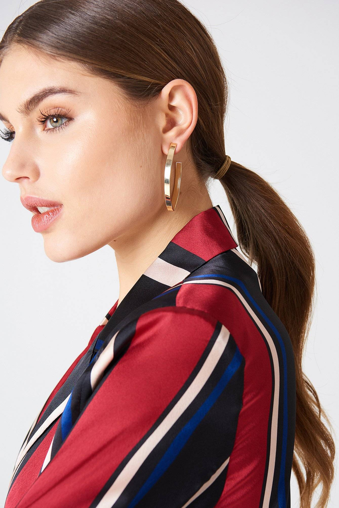 NA-KD Accessories Structured V-Shaped Drop Earrings - Gold