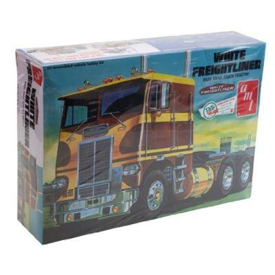 amt models AMT - WHITE FREIGHTLINER DUAL DRIVE TRACTOR - A-AMT620R