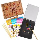 aGreatLife Fogli di Disegni Scratch Art: Rainbow Scratch Art Notebooks - Best Rainbow Magic Paper Craft for Everyone - Portable Doodle Activity Set with 4 Colorful Mini Notes and 4 Wooden Styluses
