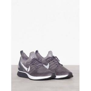 uk availability 5c398 0aee9 Nike Sportswear Air Zoom Mariah Flyknit Racer Sneakers   textilskor.