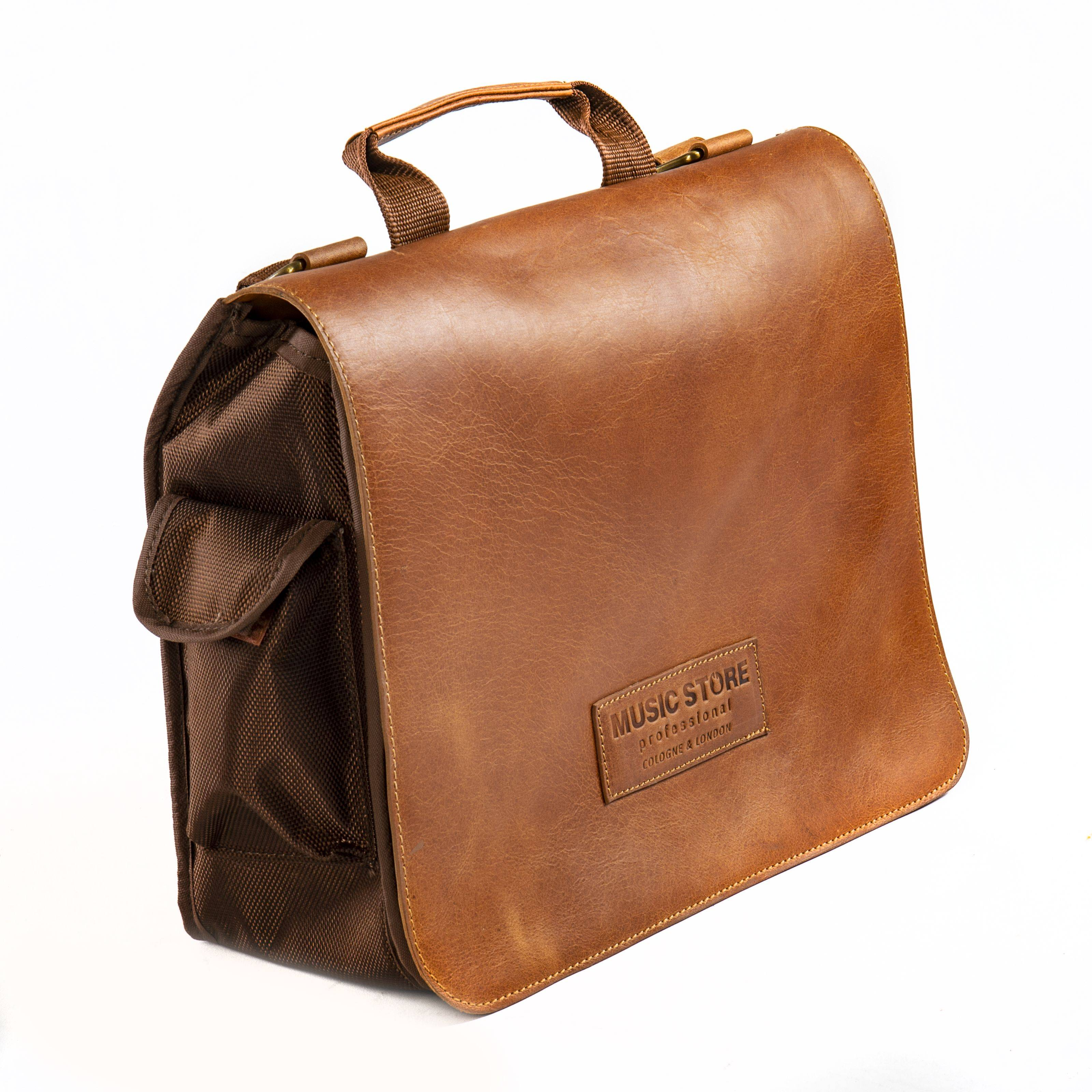 MUSIC STORE Executive Bag,w.front Leather, natural L2, embo. logo