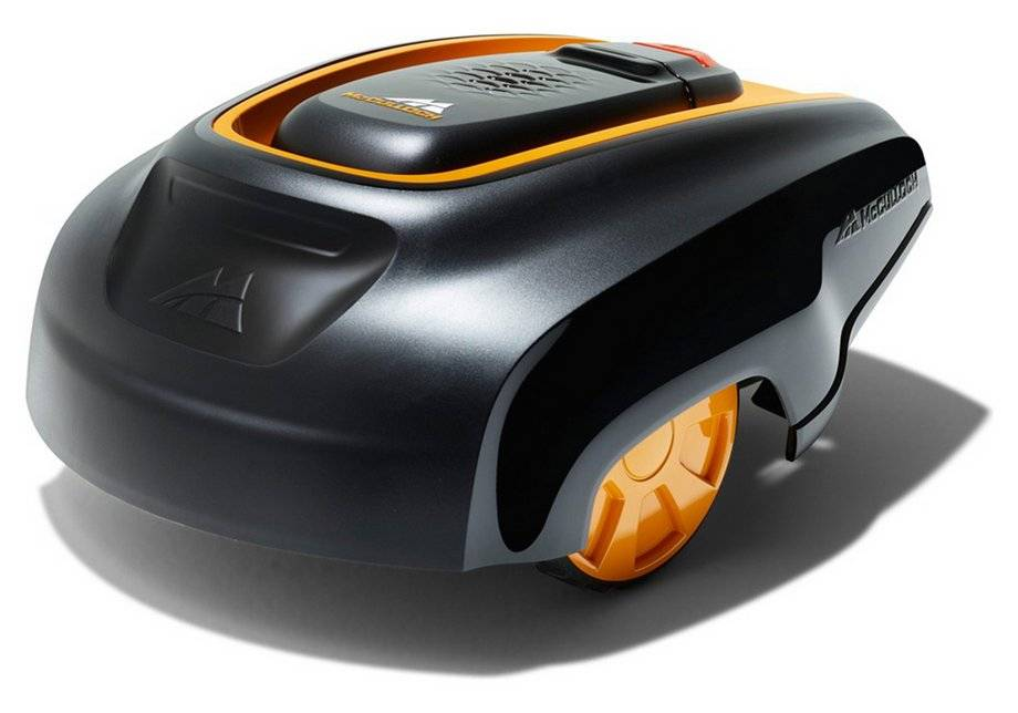 McCulloch RM1000 Robotic Lawnmower.