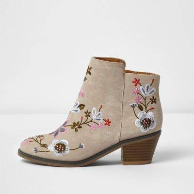 River Island Girls Cream embroidered ankle boots
