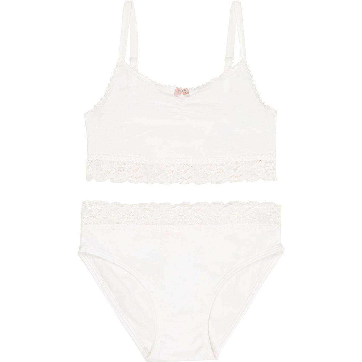 River Island Girls White lace crop top and knickers set (Size 5 - 6 Years)