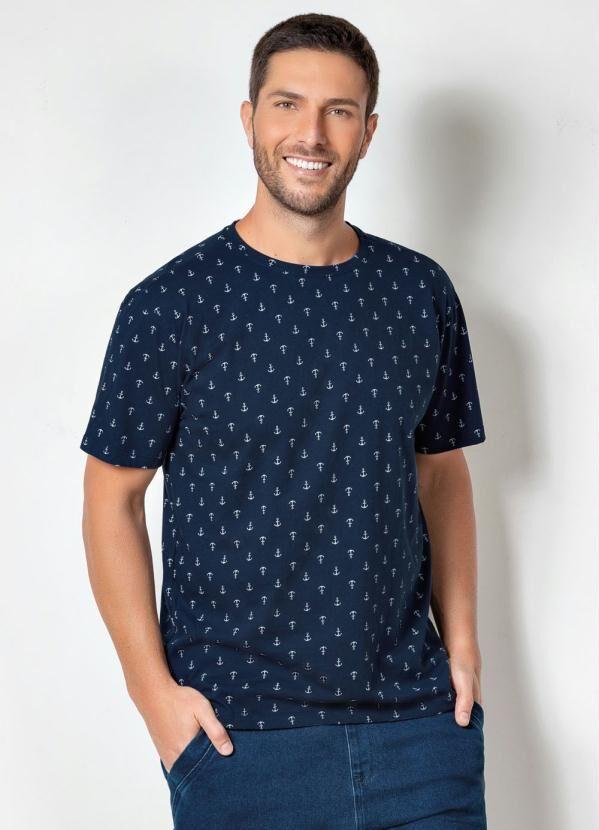 camiseta marinho com estampa de ancoras