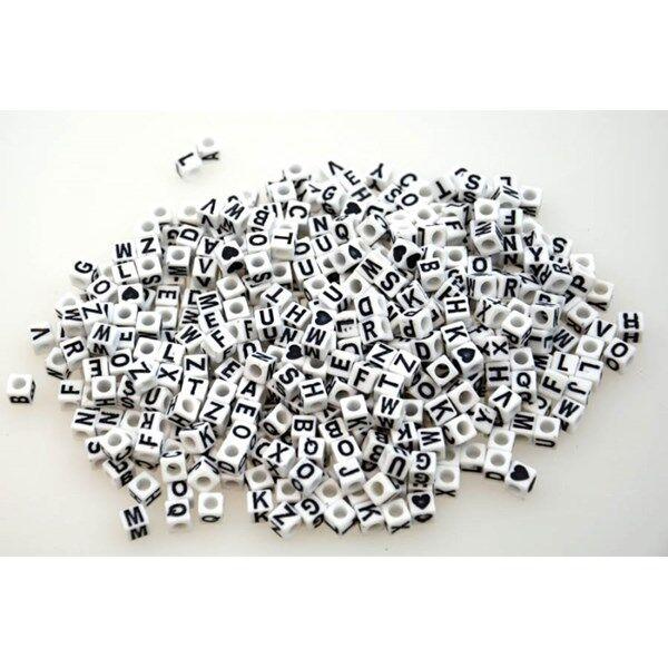 Kirjainhelmet nelikulmaiset valkoiset Playbox