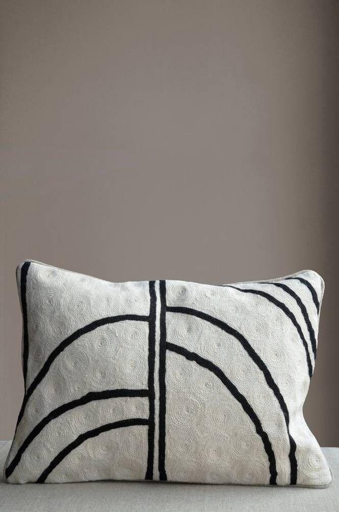Mimou Arches tyyny, käsinbrodeerattu, 30x50 cm