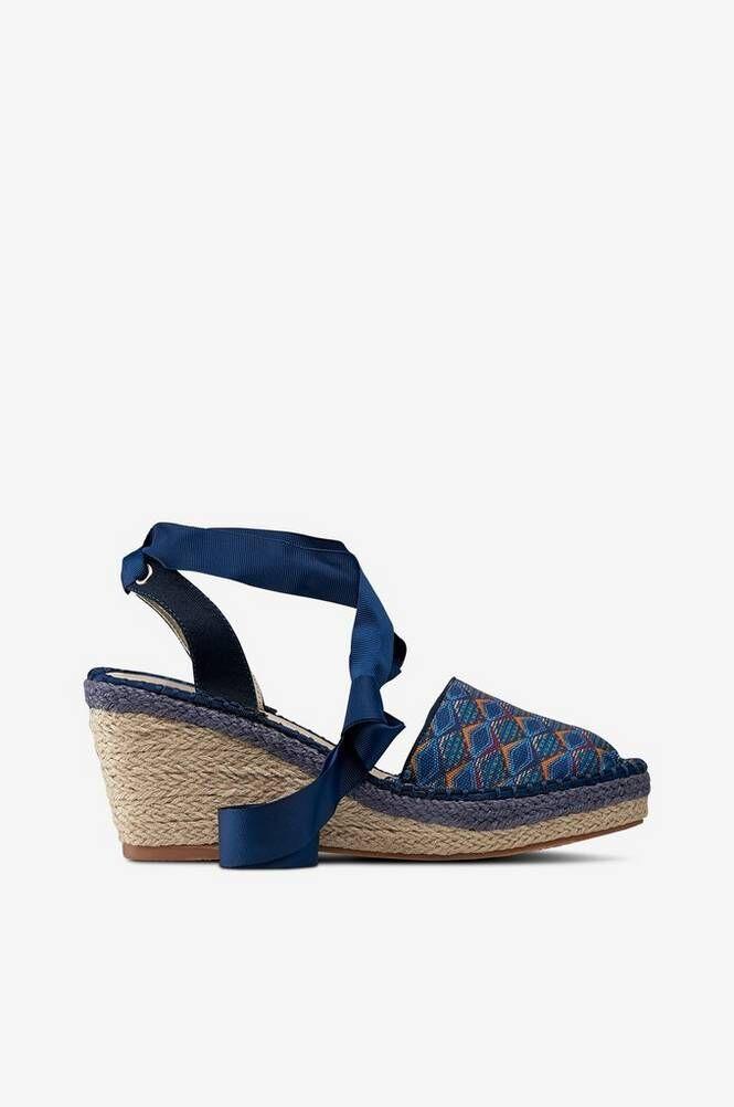 La Redoute Sandaletit, joissa kiilakorko