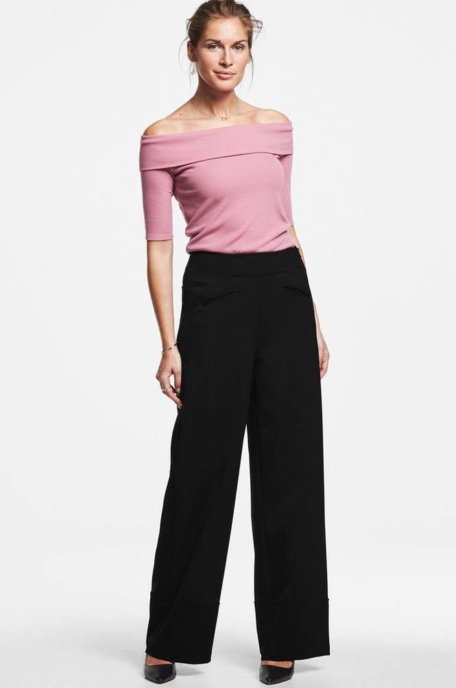 MORE THAN BASIC The wide leg trousers housut