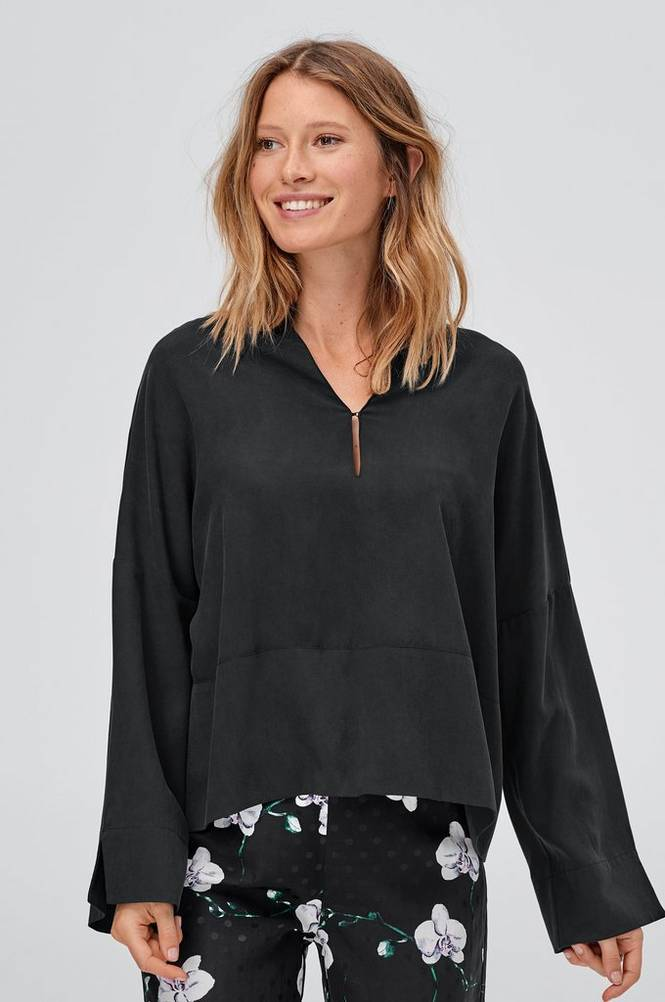 Joelle Luna paita