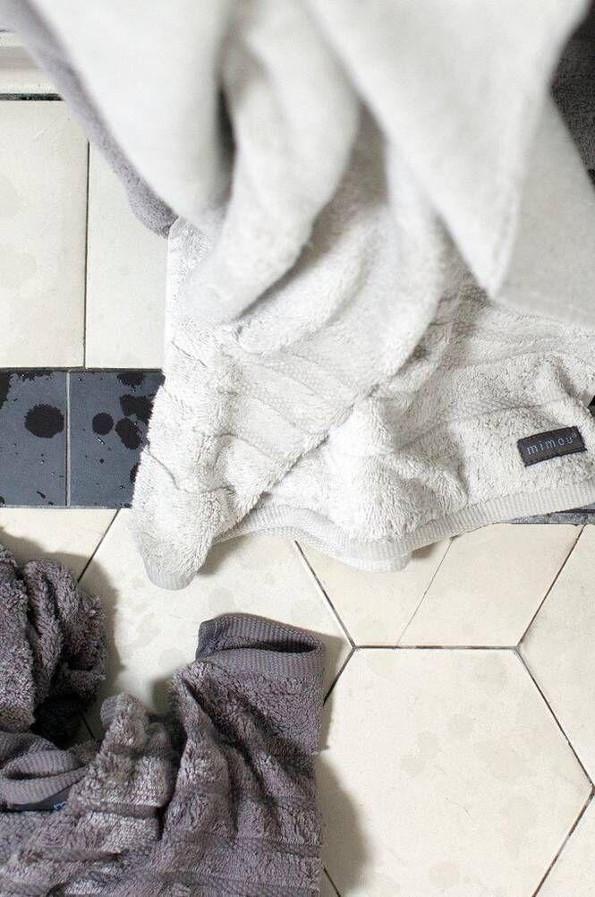 Mimou Devon-kylpypyyhe 70x140 cm