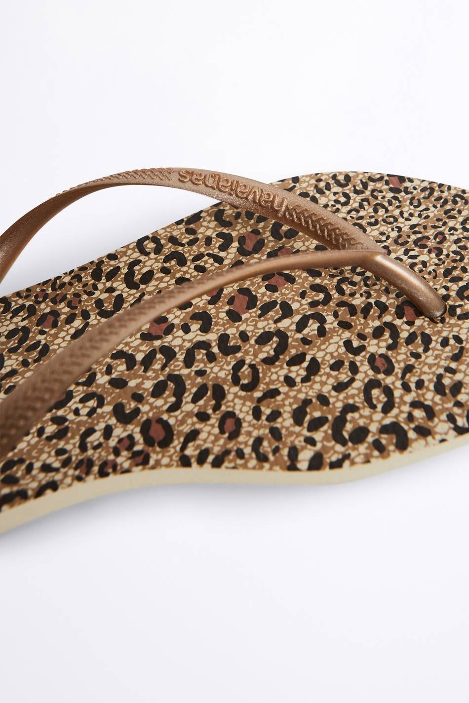Gina Tricot Havaianas animal flip flops