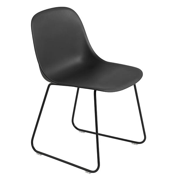 Muuto Fiber ruokapöydän tuoli, kelkkajalat, musta
