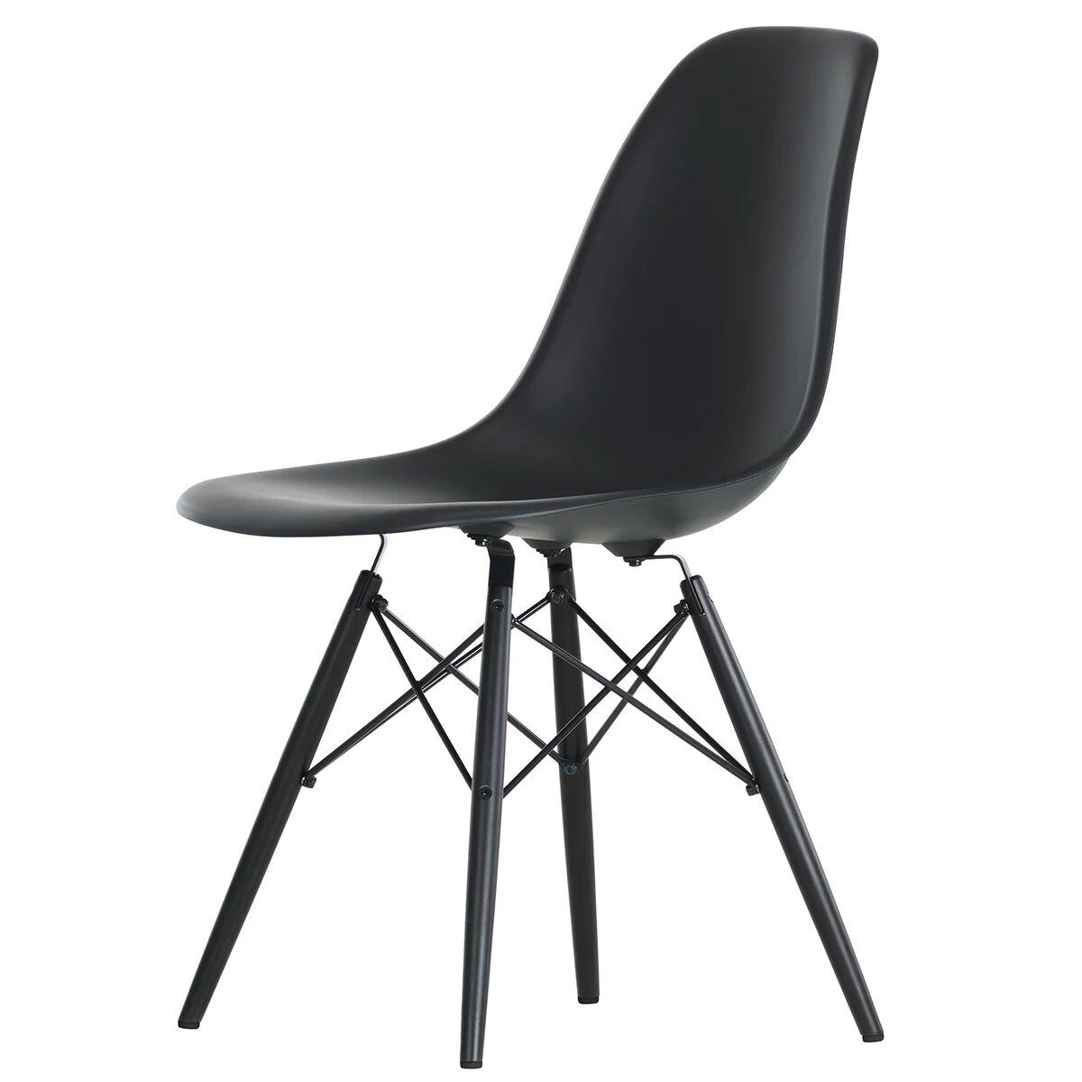 Vitra Eames DSW tuoli, basic dark - musta vaahtera