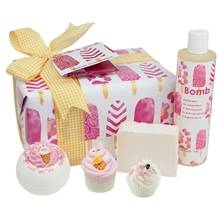 Image of Bomb Cosmetics Ice Cream Queen Christmas Gift Box 1 set