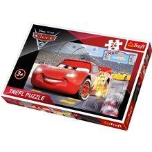 Trefl Maxipalapeli 24 palaa - Cars3 Champion