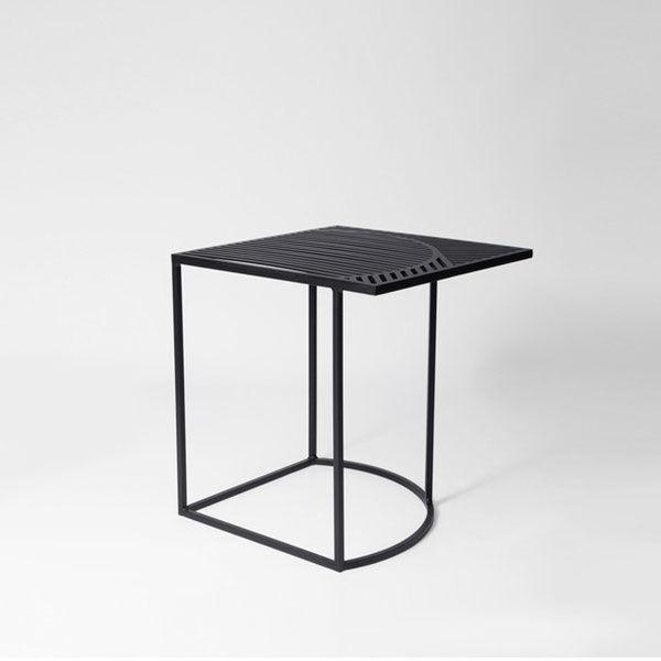 Petite Friture Iso-B Sivupöytä, Musta