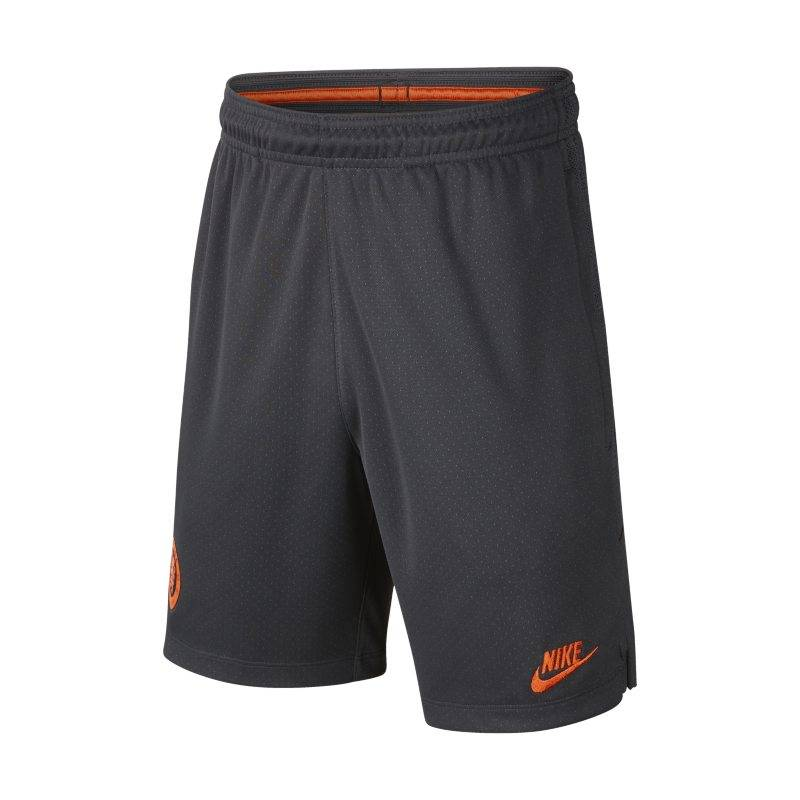 "Image of Nike ""Nike Dri-FIT Chelsea FC Strike Older Kids' Football Shorts - Black"""