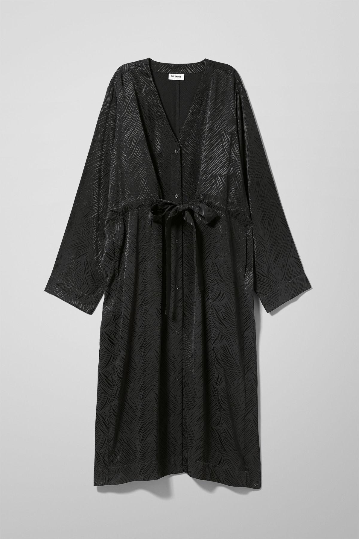 Image of Chalk Long Sleeve Dress - Black-M