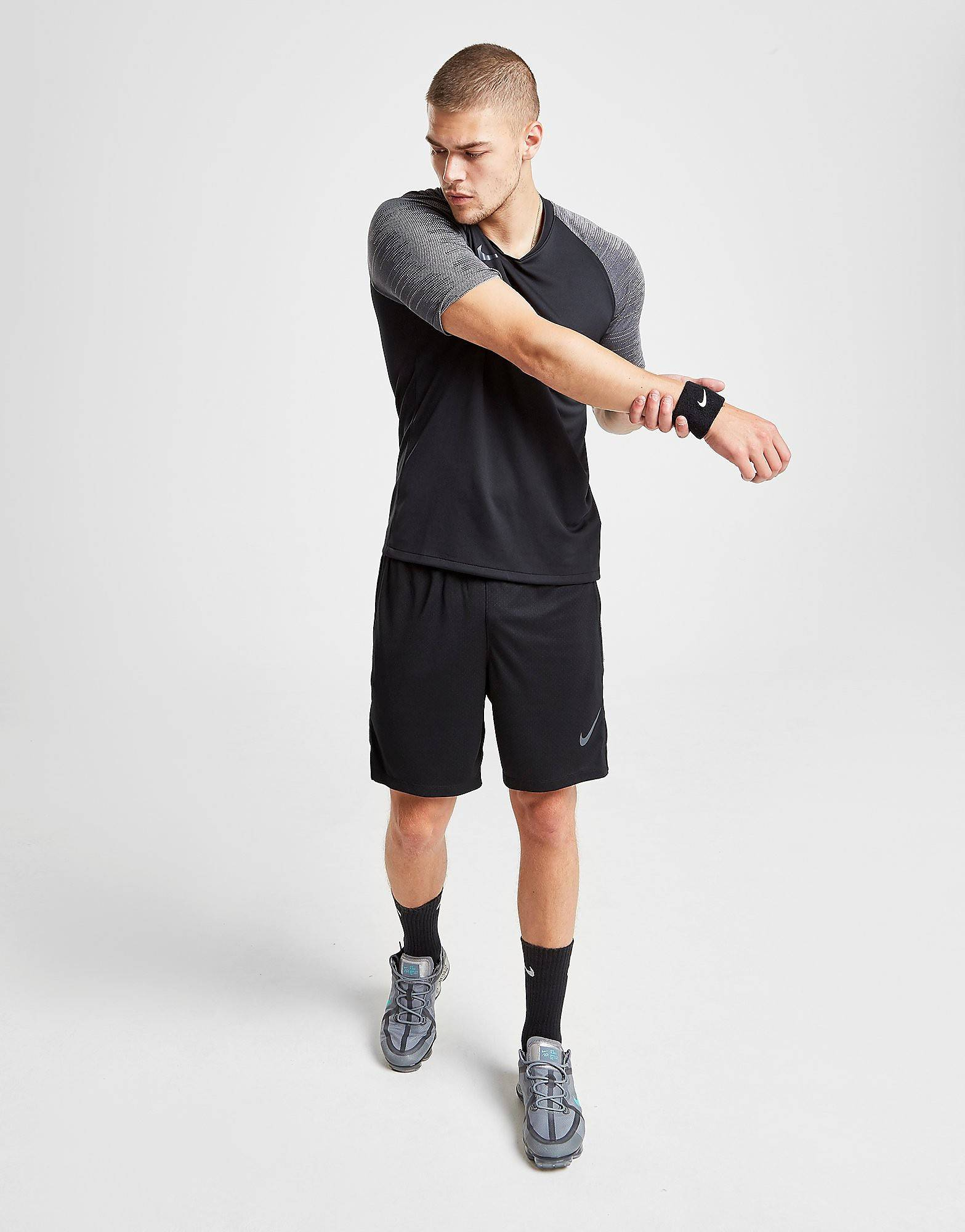 Image of Nike Strike Shorts - Mens, Musta