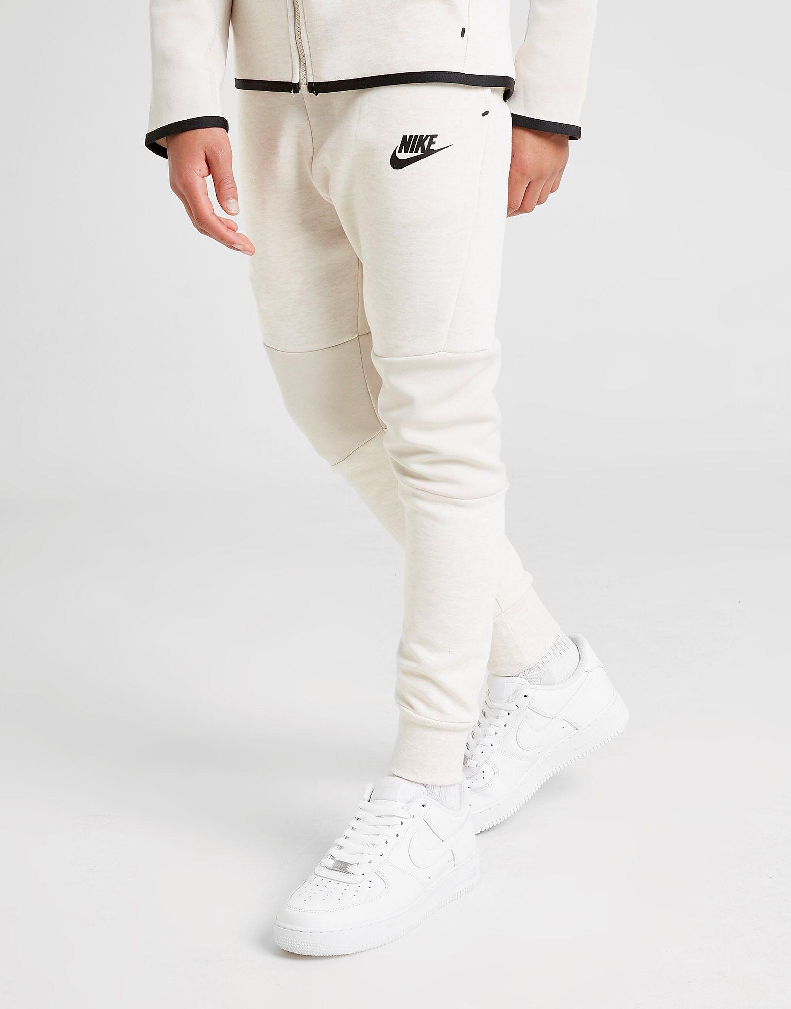 Image of Nike Tech Fleece Verrytelyhousut Juniorit - Kids, Valkoinen