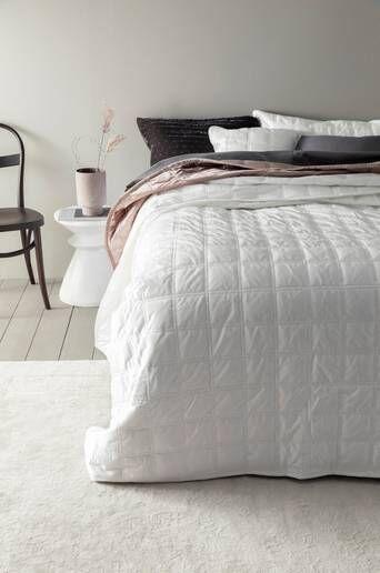 Jotex CYRA päiväpeite kapeaan sänkyyn 180x260 cm  - Valkoinen
