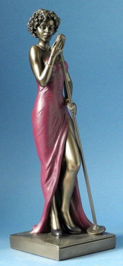 Jazz figurine: female singer
