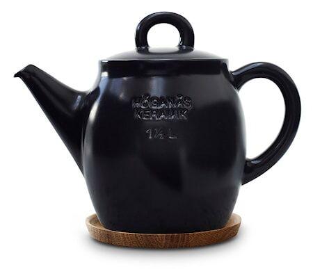 Höganäs Keramik HK Teekannu, 1,5 L, grafiitinharmaa puualustalla