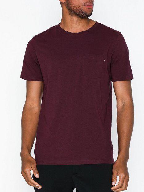 Image of Jack & Jones Jjepocket Tee Ss O-Neck Noos T-paidat ja topit Tummanpunainen