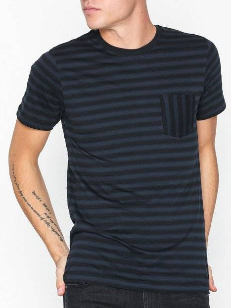Image of Selected Homme Slhmax Pocket Ss O-Neck Tee B T-paidat ja topit Sapphire