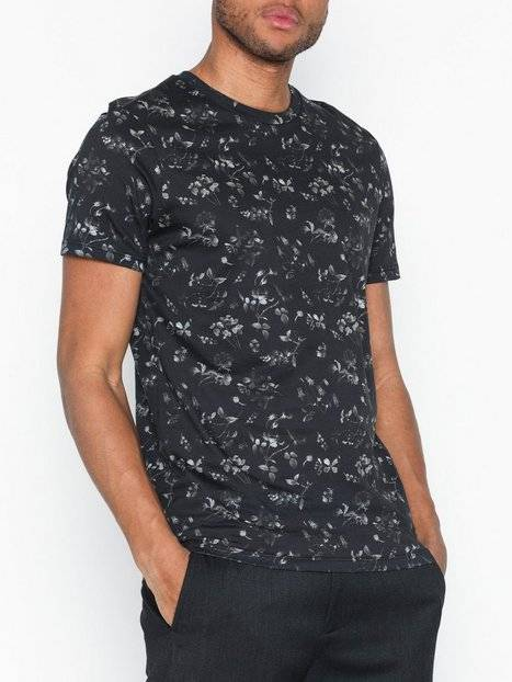 Image of Selected Homme Slhkim Aop Ss O-Neck Tee B Ex T-paidat ja topit Musta