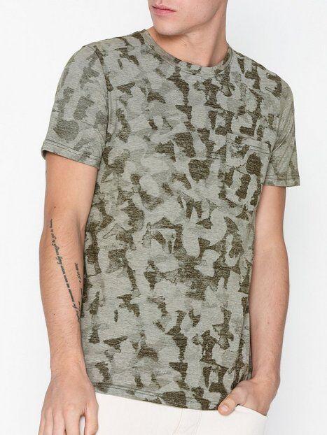 Image of Selected Homme Slhcamo Aop Ss O-Neck Tee W T-paidat ja topit Tummanvihreä