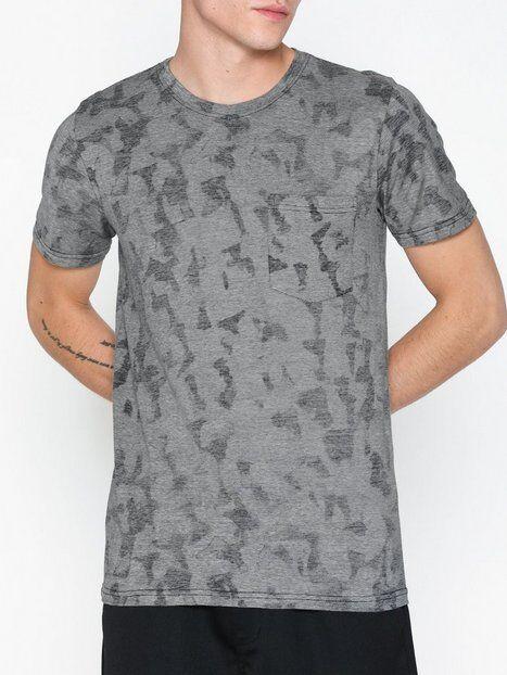 Image of Selected Homme Slhcamo Aop Ss O-Neck Tee W T-paidat ja topit Tummansininen