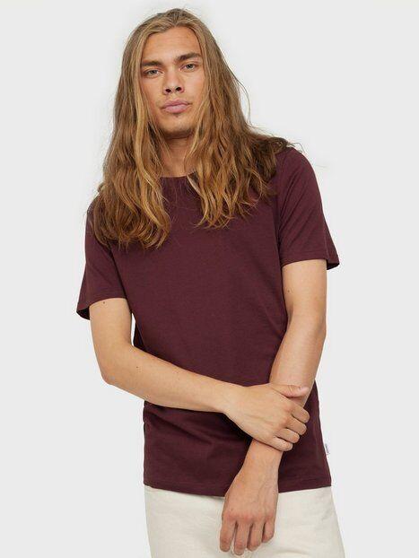 Image of Jack & Jones Jjeorganic Basic Tee Ss O-Neck Noos T-paidat ja topit Tummanpunainen