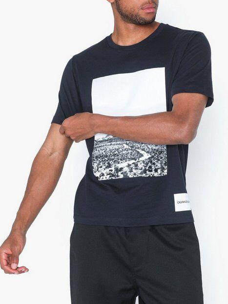 Image of Calvin Klein Jeans Photographic Road Regular S/S T-paidat ja topit Tummansininen
