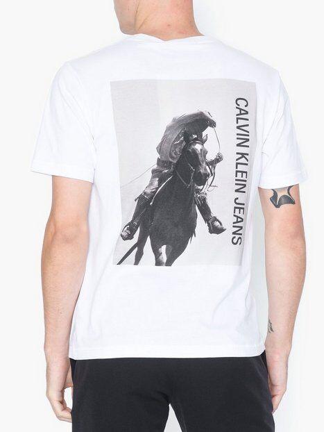 Image of Calvin Klein Jeans Cowboy 1 Back Portrait Reg S/S T-paidat ja topit Valkoinen