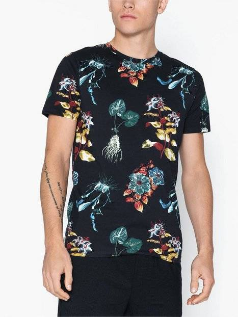 Image of Selected Homme Slhneo Aop Ss O-Neck Tee B Ex T-paidat ja topit Black