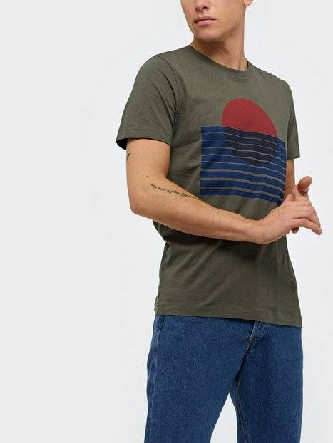 Image of Selected Homme Slhjared Print Ss O-Neck Tee W T-paidat ja topit Beetle
