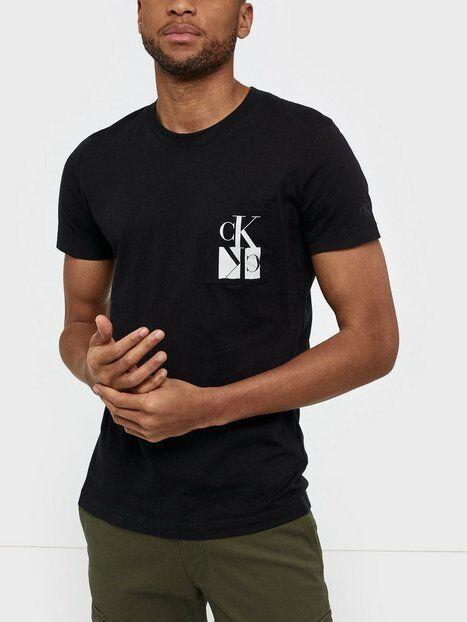 Image of Calvin Klein Jeans Mirrored Monogram Pkt Slim Tee T-paidat ja topit Musta