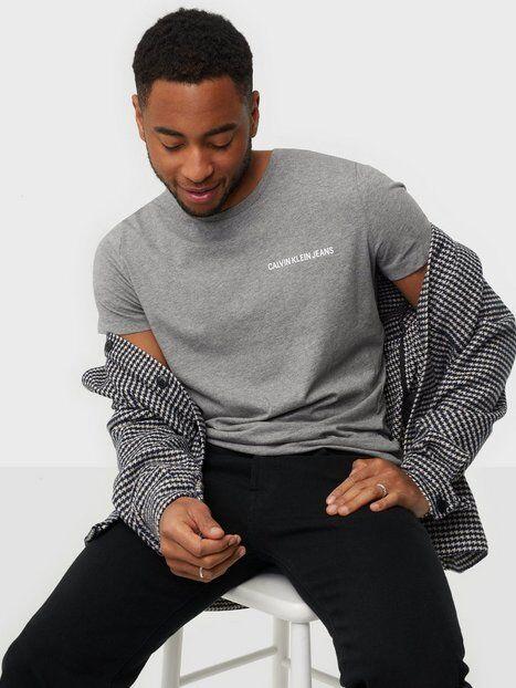 Image of Calvin Klein Jeans Chest Institutional Slim Tee T-paidat ja topit Harmaa